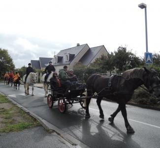 Défilé dans la commune